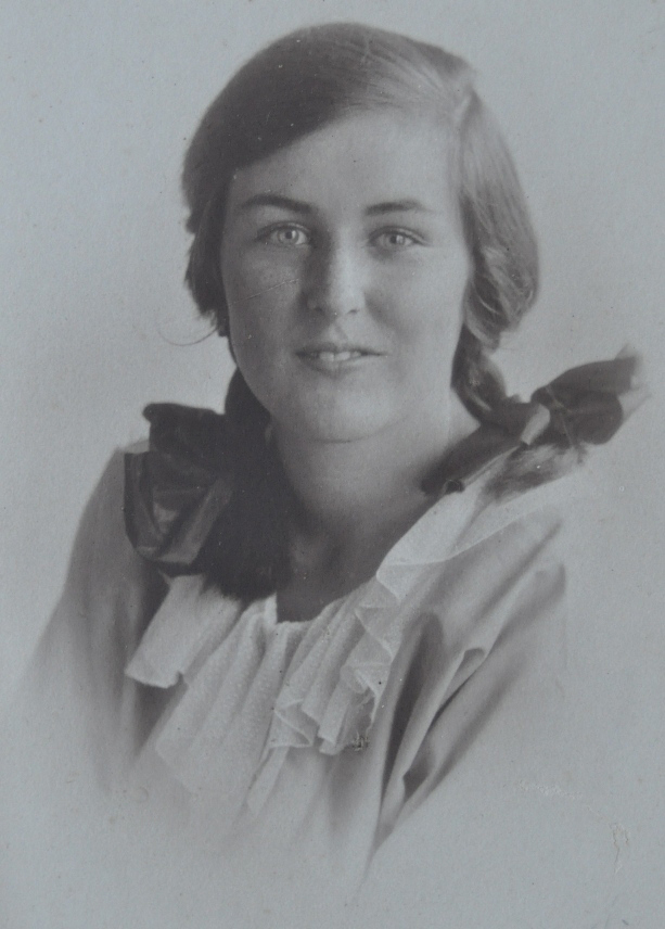 Mary Blanche Millett (Molly)  (1908-2006)